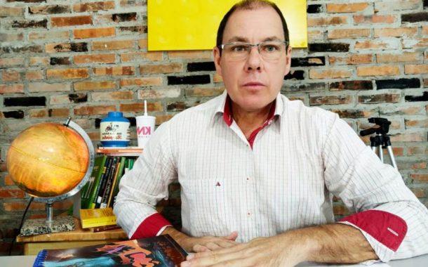 (WEB TV) Santa-Helenense invade Escola em Missal e ameaça crianças e professora