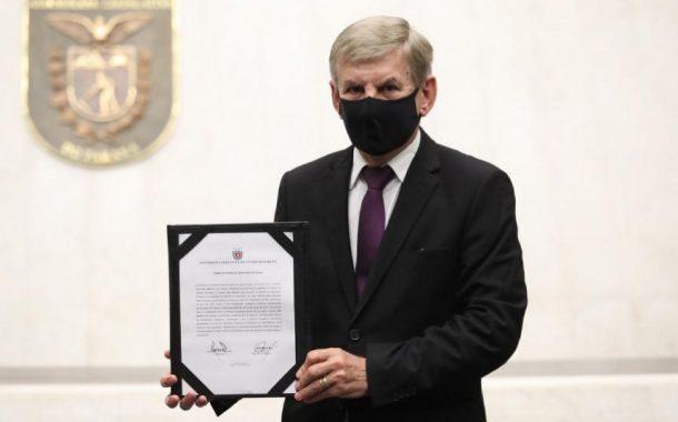 Elio Rusch assume mandato de deputado estadual após licença de Maria Victoria