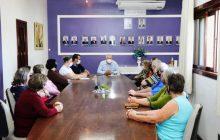 Administração de Pato Bragado faz reunião para retomada das atividades nos clubes de mães e de idosos