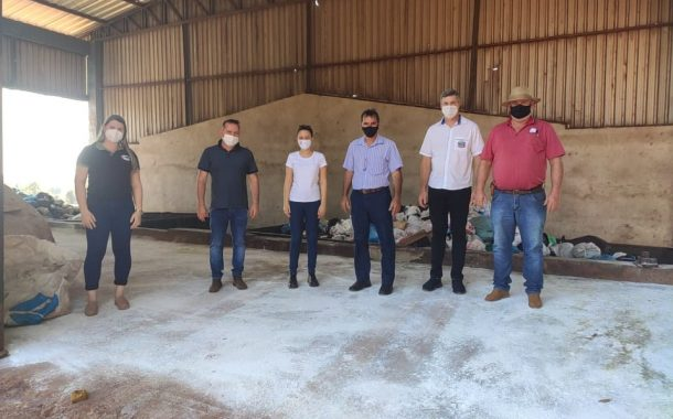 Vice-prefeito e Secretário de Saneamento Básico de Entre Rios do Oeste visitam municípios que implantaram esgotamento sanitário