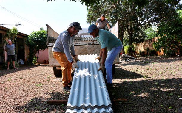 Defesa Civil e Assistência Social auxiliam famílias atingidas pelo temporal em Itaipulândia